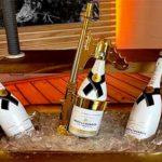 Champagne Gun, il Fucile per Sparare Litri di Dompe dal Tavolo Privè